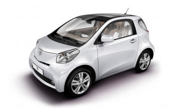rent a car TOYOTA IQ AUTO